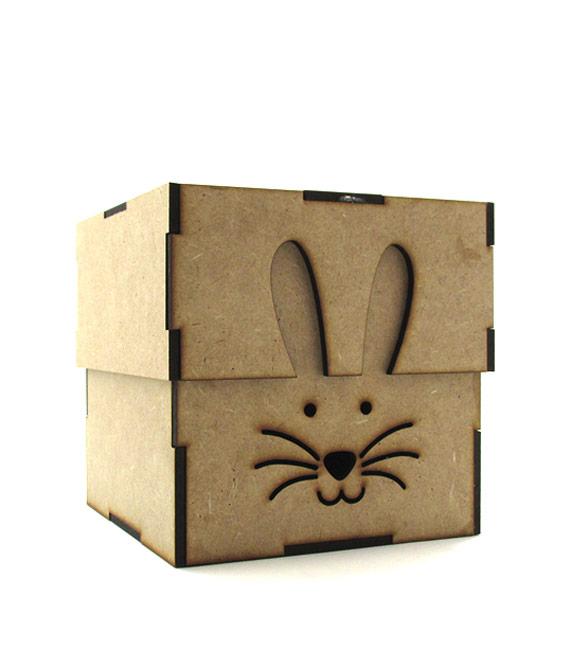Caixa recortada com coelho